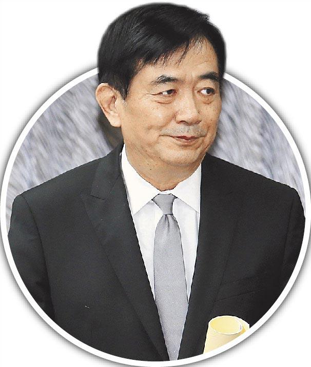 交通部長吳宏謀6日否認將強硬反制改名的外航,改口禁靠空橋是內部研究中的不成熟方案。(陳麒全攝)