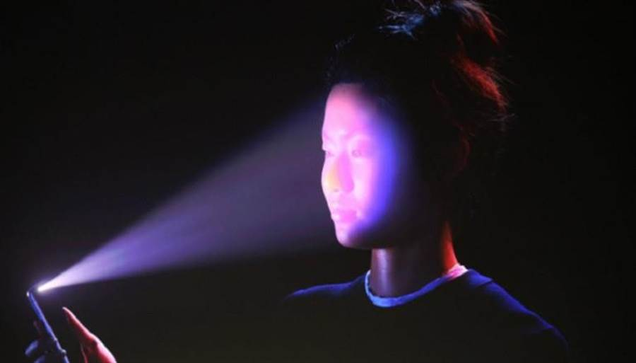 iPhone X所採用基於臉部辨識技術的Face ID,在發表之後就引爆了相關討論話題與市場趨勢。(圖/翻攝蘋果官網)