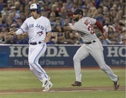影》比野手還猛!藍鳥球迷單局接兩轟