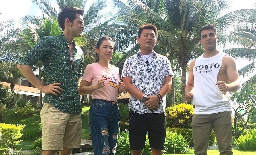 庹宗康與謝忻帶著2位老外品嚐豬油拌飯。(圖片提供:衛視中文台)
