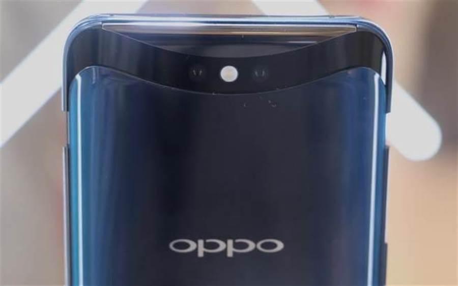 OPPO Find X相機升起後的主鏡頭狀態。(圖/黃慧雯攝)