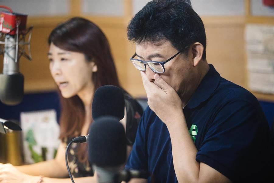 民進黨台北市長參選人姚文智(右)。(圖/本報資料照,郭吉銓攝)