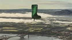 女孩們最愛的雨靴化身熱氣球,預計於秋季從歐洲橫越大西洋到美國!