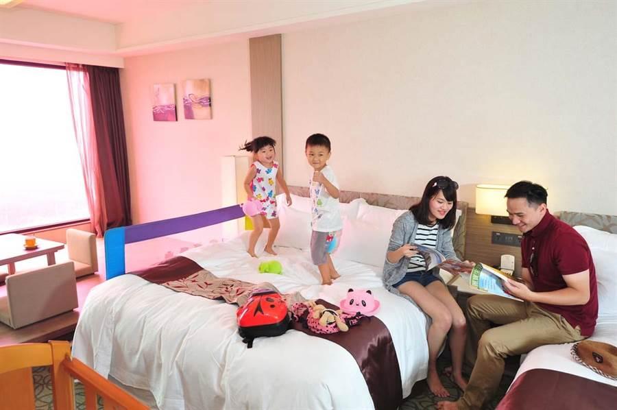 福容大飯店推出花博全包式假期,詢問度很高。(王文吉攝)