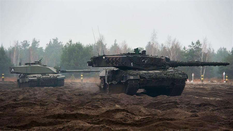 英國挑戰者戰車在火力、防護力都很強,但是車速、機動力卻明顯較差。(圖/vehicleswallpapers)