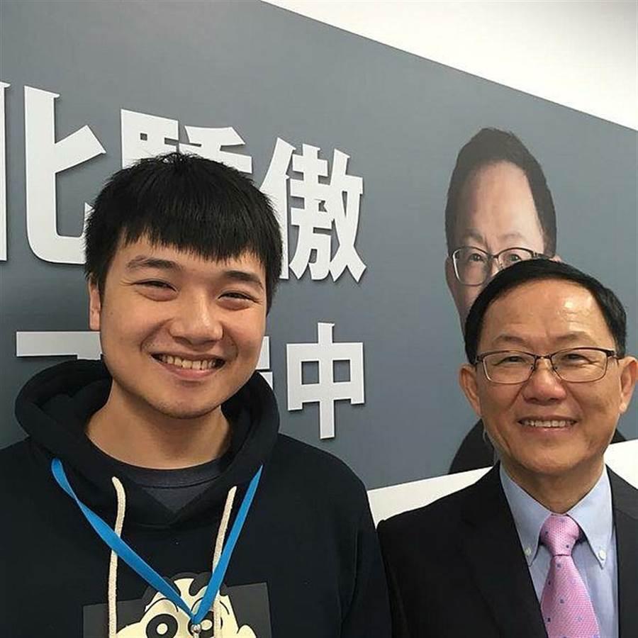 台北市長參選人丁守中的發言人楊植斗也在網路上力挺「虧雞」。(國民黨青年部 提供)