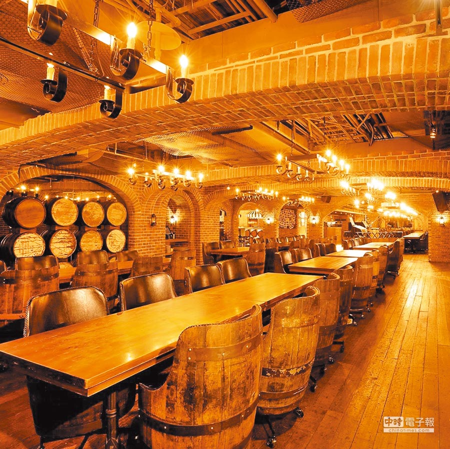 「金色三麥餐廳」酒窖店,金色三麥是以餐廳起家,而啤酒事業也因飲食而起。