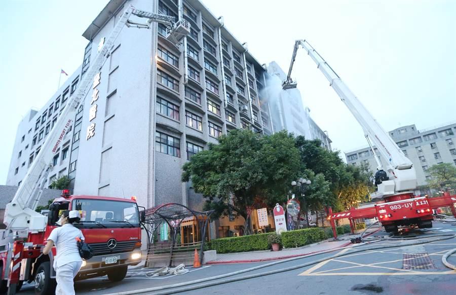 新莊台北醫院發生火警。(趙雙傑攝)