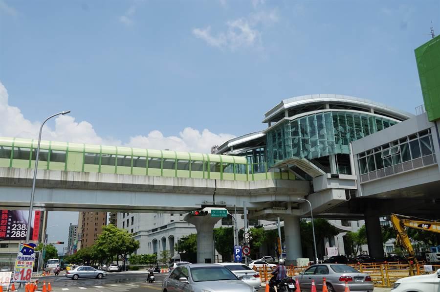 台中捷運綠線年底將試運轉,位於G12站周邊個案買氣加溫。(盧金足攝)