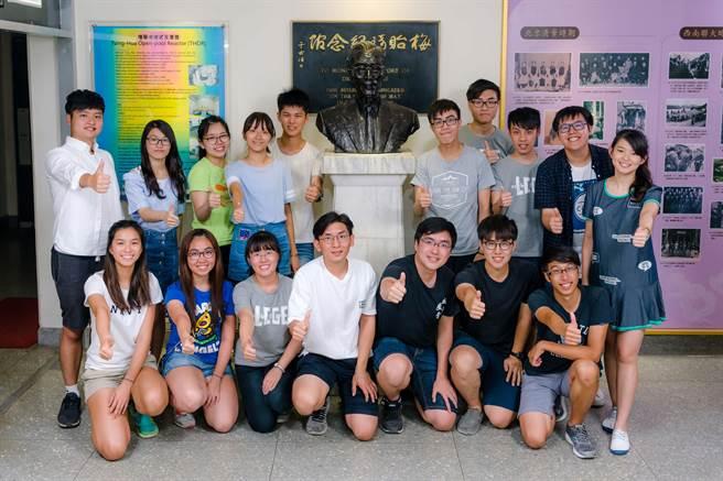 兩岸清華大學與香港城市大學參加低碳綠能營,建立起深厚友情。(新竹清華大學提供)