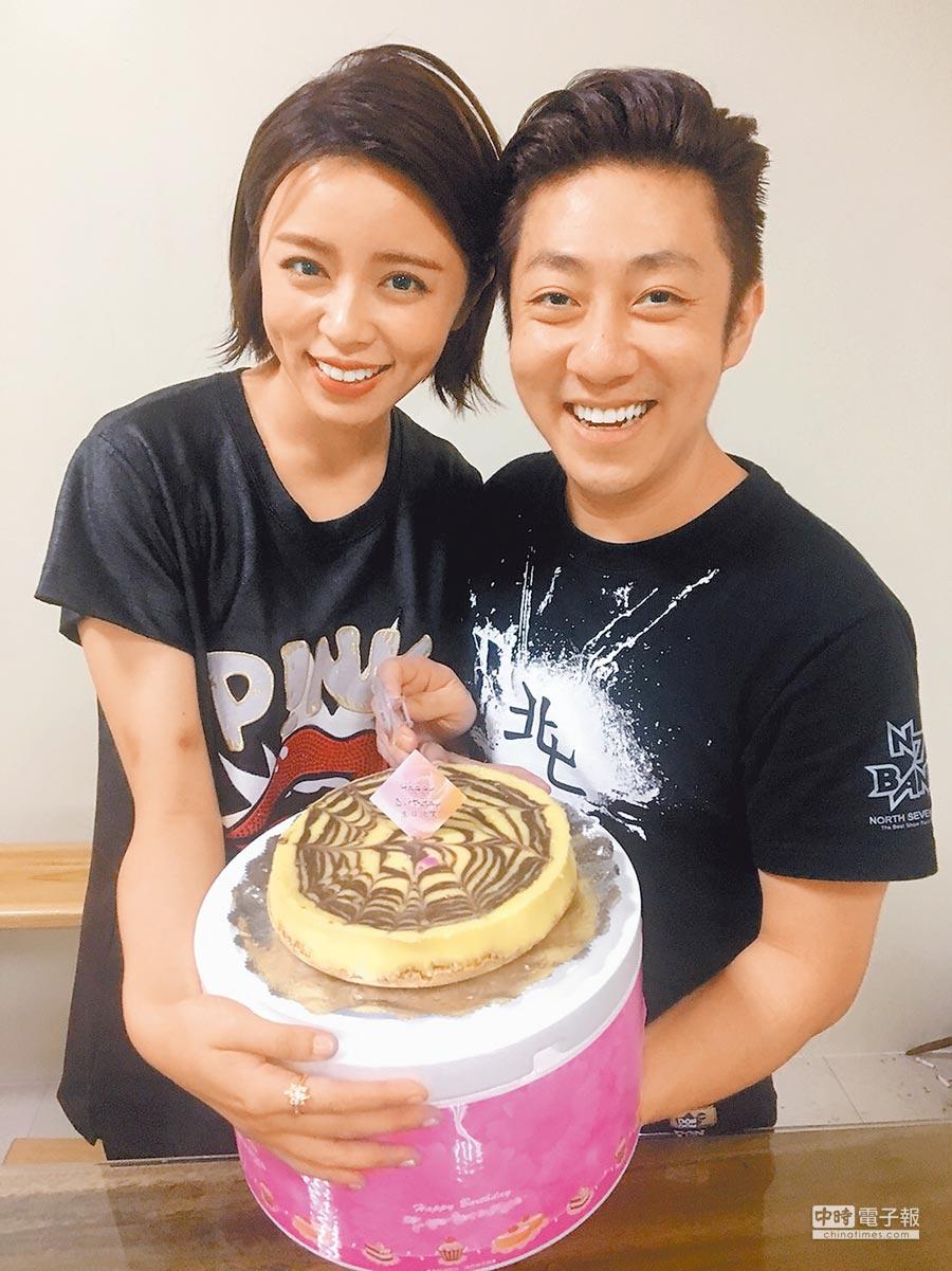 艾成(右)和王瞳交往7年,感情穩定。