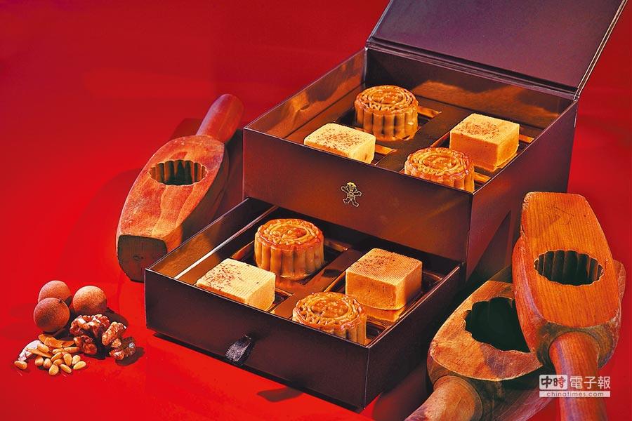 「旺月」月餅禮盒包含3款口味、8入裝,禮盒外型似珠寶盒般典雅。(神旺大飯店提供)