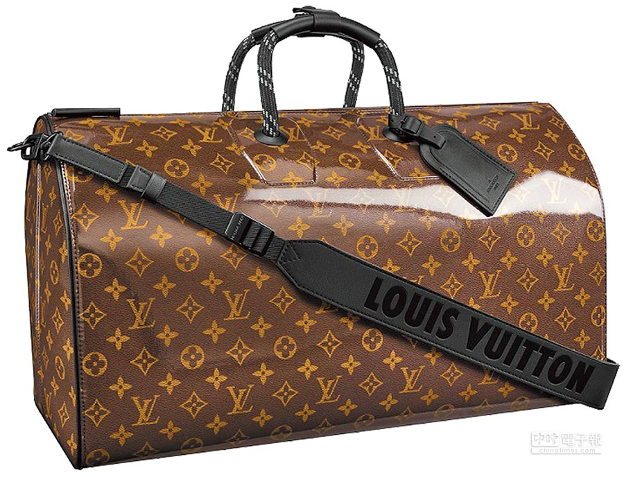 LOUIS VUITTON Monogram Glaze亮面帆布Keepall旅行袋,11萬元。(LV提供)