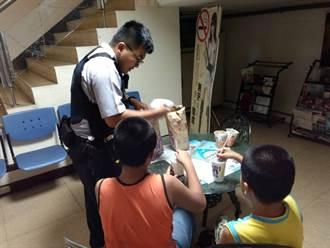 2男童負氣離家門遭反鎖 求助警:能在派出所過夜嗎?