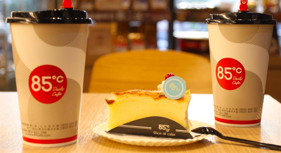 85度C目前在全球有千家分店,其中大陸589家、台灣435家。(翻攝85度C網站)
