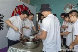 台教授稱「大陸人吃不起」他推5千元天價茶葉蛋