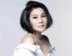 首位流行歌手登少林寺!57歲素顏上場
