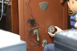 塵封百年保險箱 日本電視台千里開鎖成功