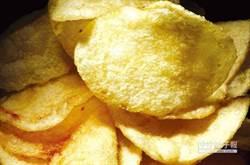要健康就不要吃零食 「非油炸」洋芋片油量超乎想像