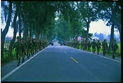 金門紀念「823炮戰」 600人參加夜行軍