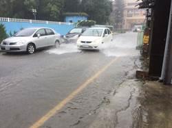 屏東各地狂風大雨 泰武出現驚人96毫米時雨量