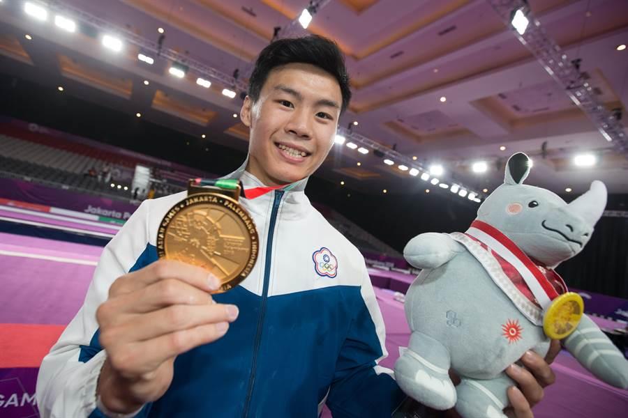 唐嘉鴻搶下亞運體操單槓金牌(資料照, 陳怡誠攝)
