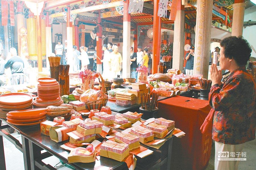 中元節法會以宮觀寺廟為中心,日夜誦經,普度亡魂。(記者王曉鈴攝)