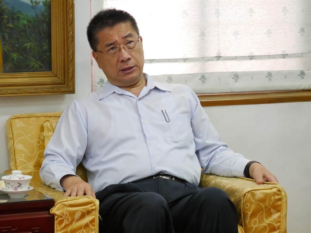 針對504把「有疑義」的空氣槍,內政部長徐國勇今(26)日出席基隆市警局時僅回應「案子已送到地檢署處理」。(張穎齊攝)