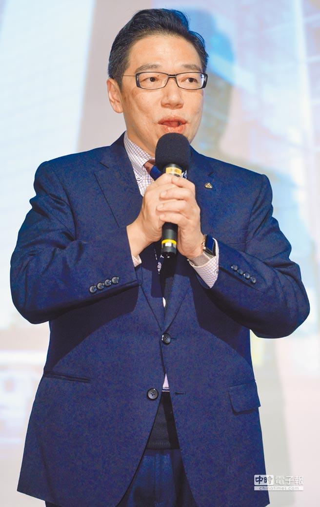台灣金融研訓院長黃崇哲表示,芬恩特創新聚落設立的目的,是幫助國內金融業解決技術共通性的痛點,同時能培育更多金融科技人才。圖/本報資料照片