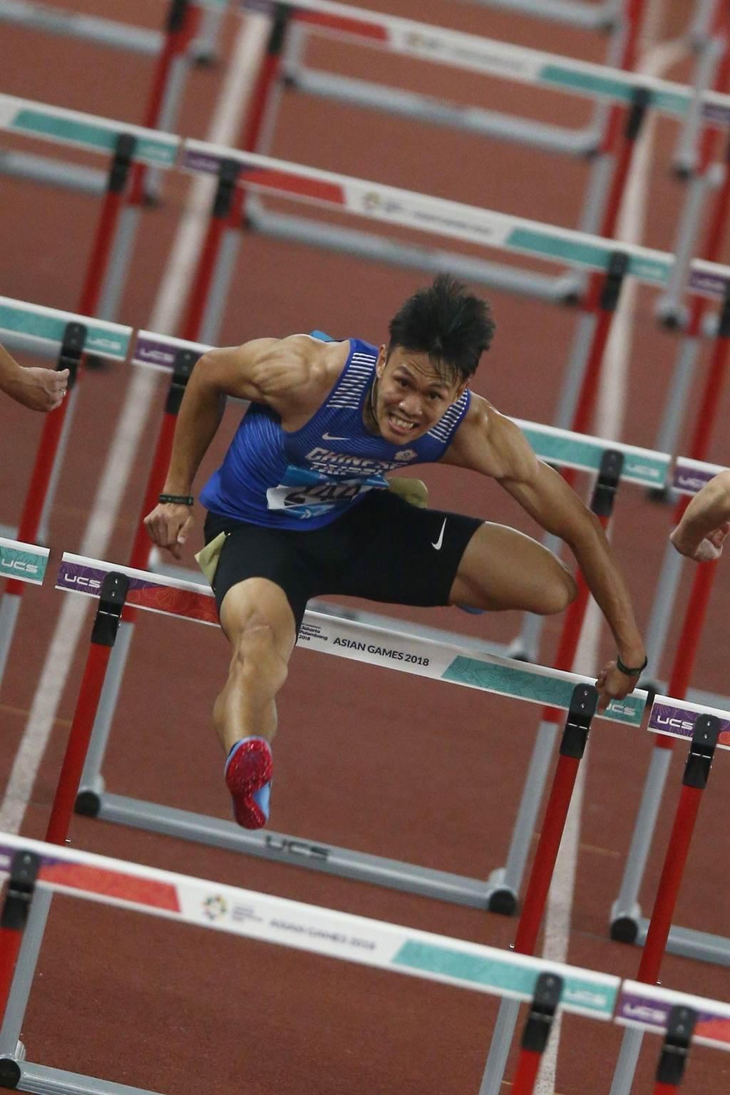 陳奎儒在亞運會上男子110公尺跨欄跑出一面銀牌。(杜宜諳攝)