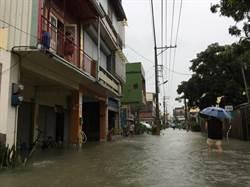 新園降雨量破300毫米全台最多 港西水淹及膝怕八八再現