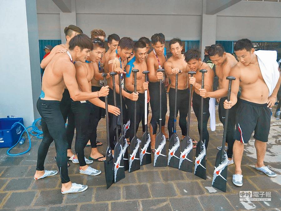 男子輕艇龍舟隊1000公尺(中華奧會提供)