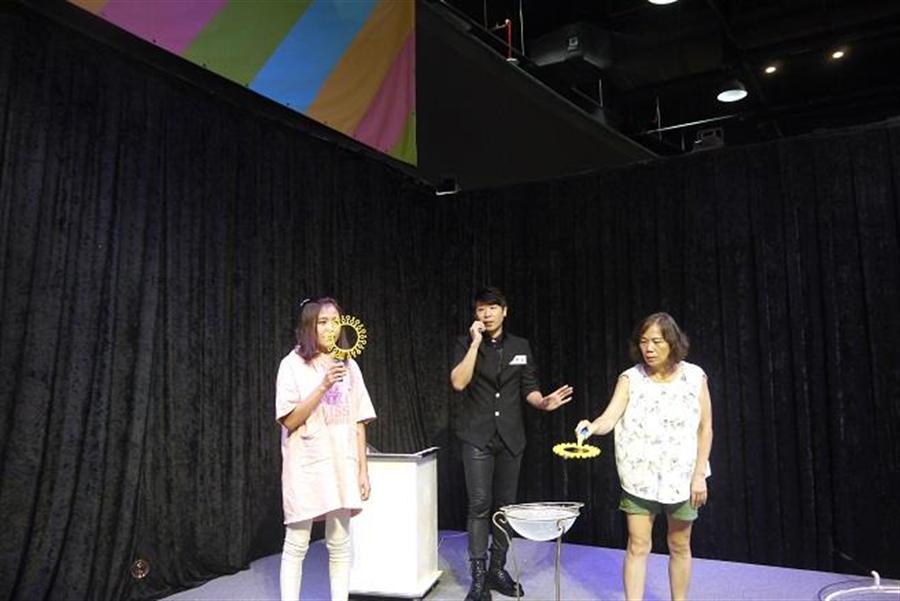 瘋狂泡泡實驗室-科學教室,泡泡家族教大家一次搞懂泡泡三大原理!(時藝多媒體提供)