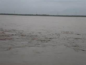 高屏溪濁度飆高  南化水庫輸水45萬噸支援