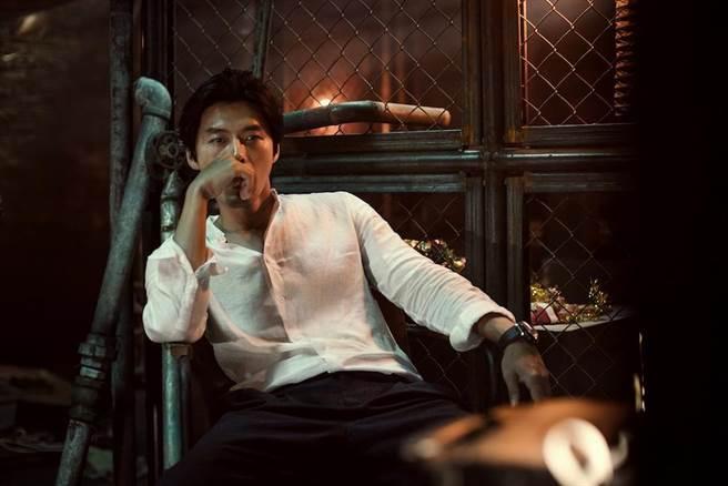 玄彬於《極智對決》中首次挑戰反派角色,飾演一個沒血沒淚的綁架犯。(華聯提供)
