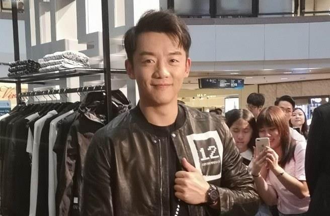 鄭愷到香港出席活動被問及好友李晨一事,但他封口不願多談。(圖/翻攝on.cc)