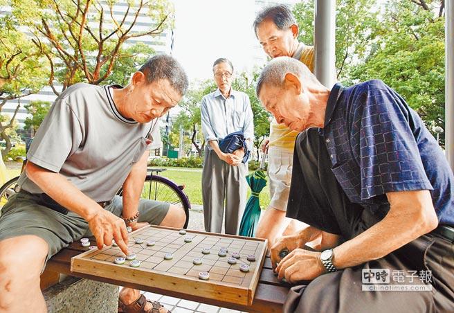 台灣老年人口比例已達14%,邁入高齡化社會。(本報系資料照片)