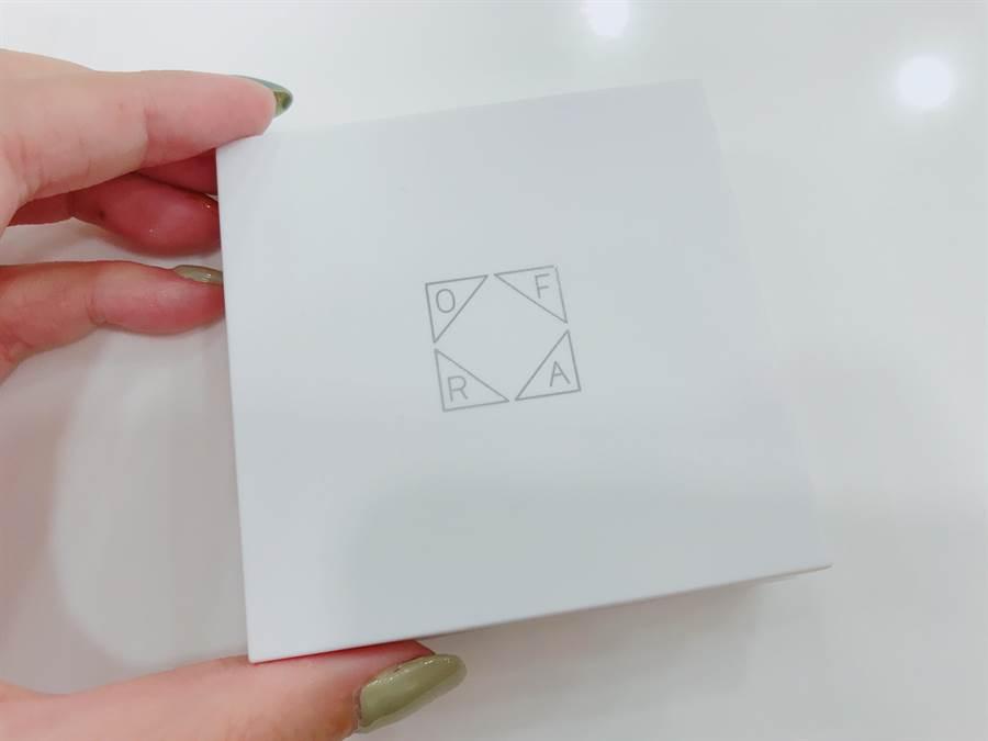 圖為新款打亮外包裝,變成以白色為主體的優雅設計。(圖/編輯攝影)