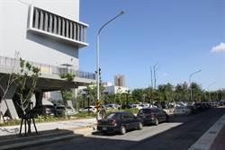 南台灣最大國民運動中心開張 停車位不足遭詬病