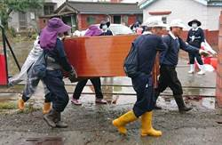 823水患 上萬名慈濟志工到災區關懷