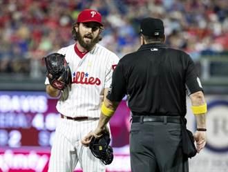 MLB》投手能帶小抄嗎?聯盟推翻場內判決