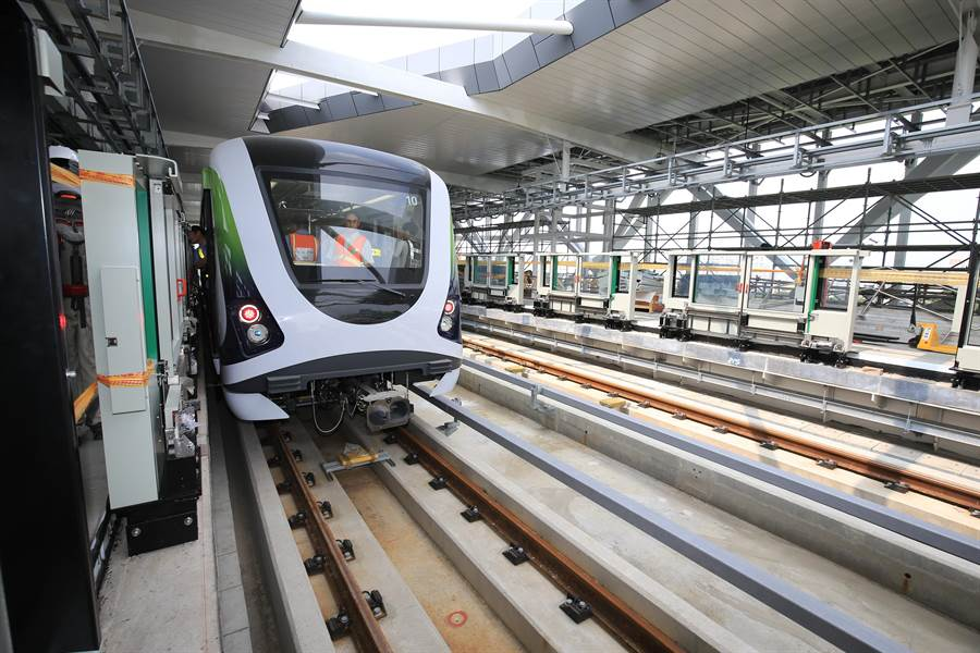 台中捷運綠線進度已達79%,今年底試運轉,2020年全線通車。(盧金足攝)