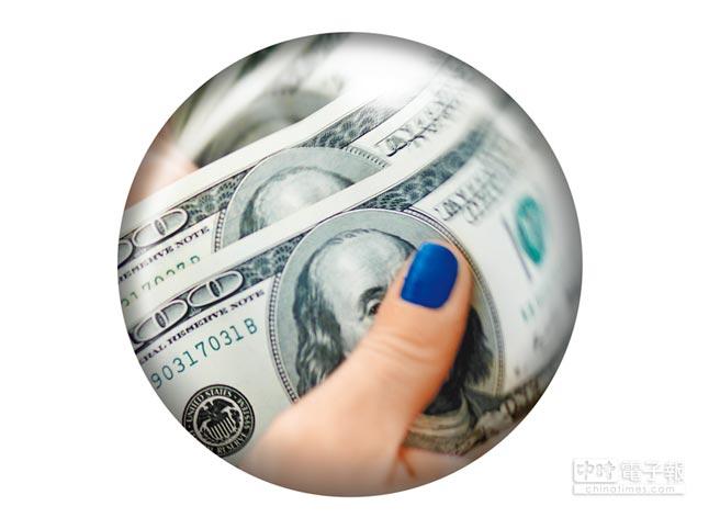 美聯準會(Fed)不甩川普,9月底升息幾乎成為定局,分析師斷言,美元還會強個1年。(路透)