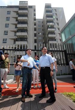 台北》國民黨台北市長參選人丁守中前往興隆公宅會勘