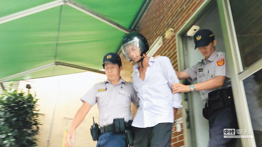 53歲林姓男子6日闖總統府企圖攻擊女憲兵遭制伏送辦。(本報系資料照)
