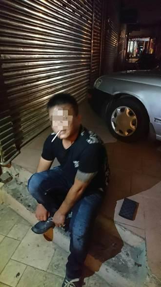 持有毒品誤闖單行道 男心虛逃跑連撞6車