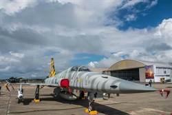 空軍澄清 各型戰機不會用翻修胎