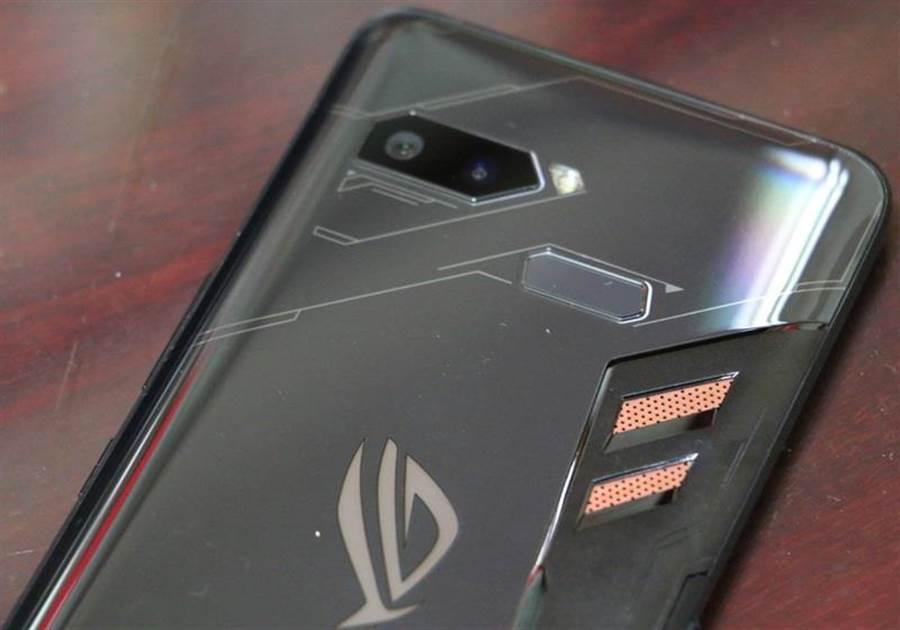 華碩ROG Phone。(圖/黃慧雯攝)