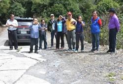 林明溱在偏鄉山地部落走透透  視察道路改善工程