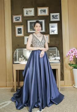 陳妍嵐愛藍寶石 全是因為她.....